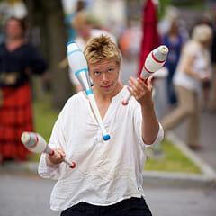 Online juggling